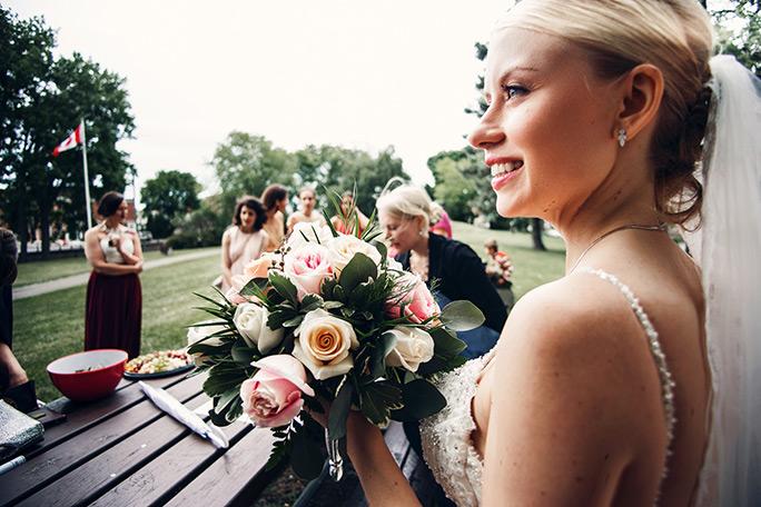 Bouquet de mariage et marié - Fleuriste Coin Vert - Fleuriste Montréal
