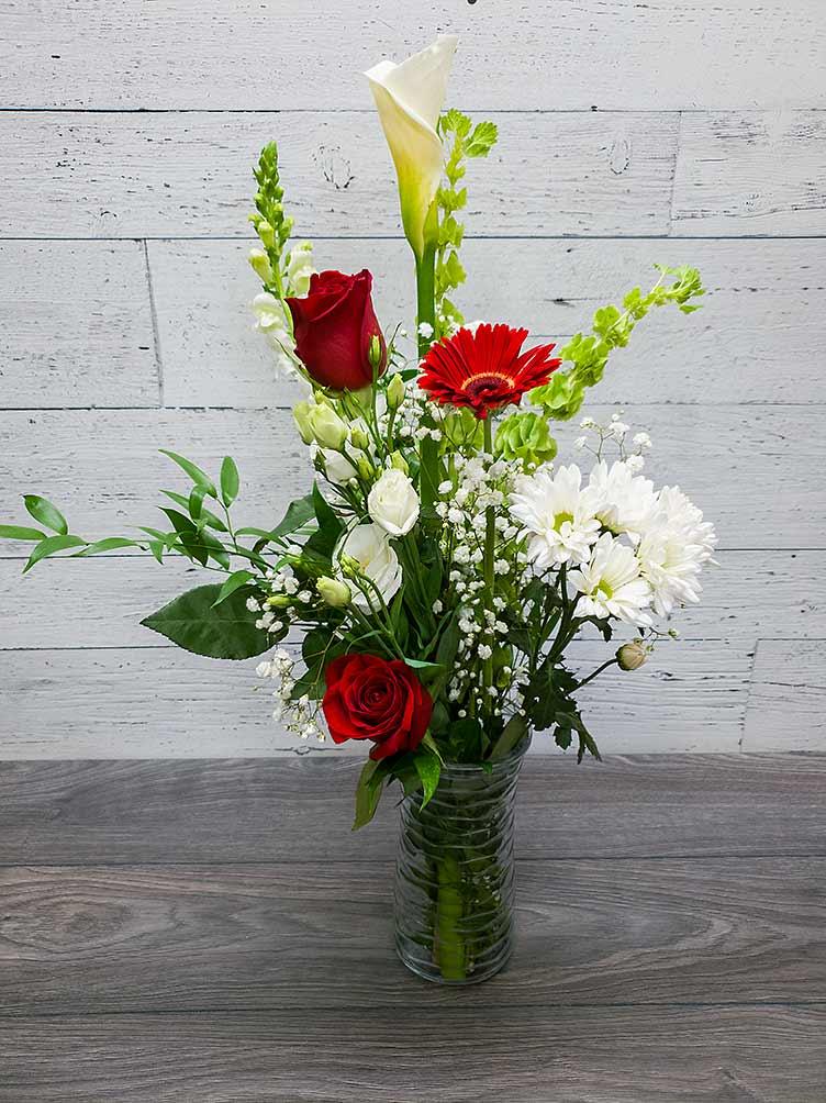 Bouquet de fleurs le rouge et blanc - Fleuriste Coin Vert - Fleuriste Montréal